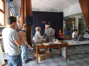 consegna-attrezzatura-scuola-2011-2012-lions-montagna-pistoiese-003