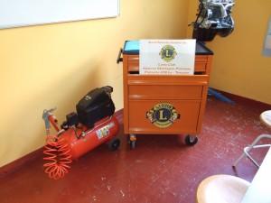consegna-attrezzatura-scuola-2011-2012-lions-montagna-pistoiese-005